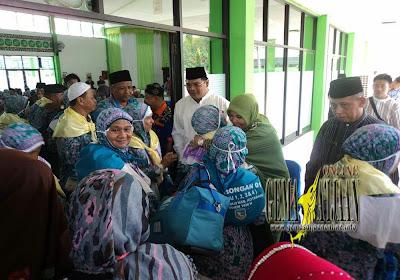 Calon Haji Kotabaru Berpamitan