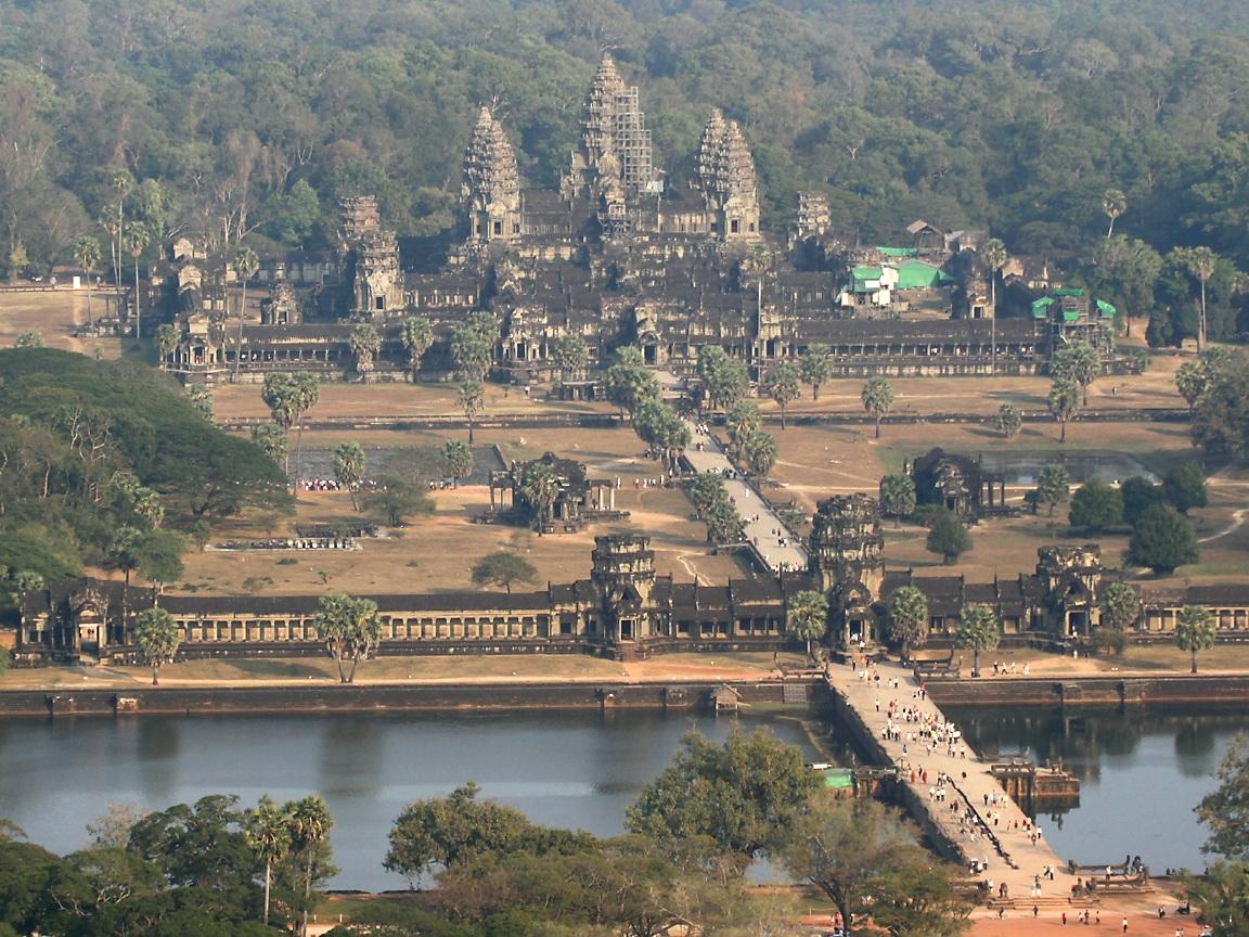 http://3.bp.blogspot.com/-T3mSHLqm6d8/TsTS3Jiha3I/AAAAAAAAFP8/dsJVGs3cRyU/s1600/Angkor_Wat_temple_Cambodia_tourism_Phnom+Penhcity_pictures.jpg