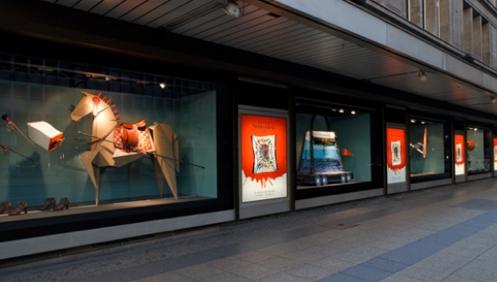 hermes window display berlin merchandising stylists. Black Bedroom Furniture Sets. Home Design Ideas