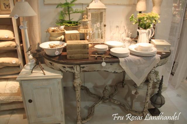 den gustavianske klassiske stilen på møblene. Tidløse klassiske ...