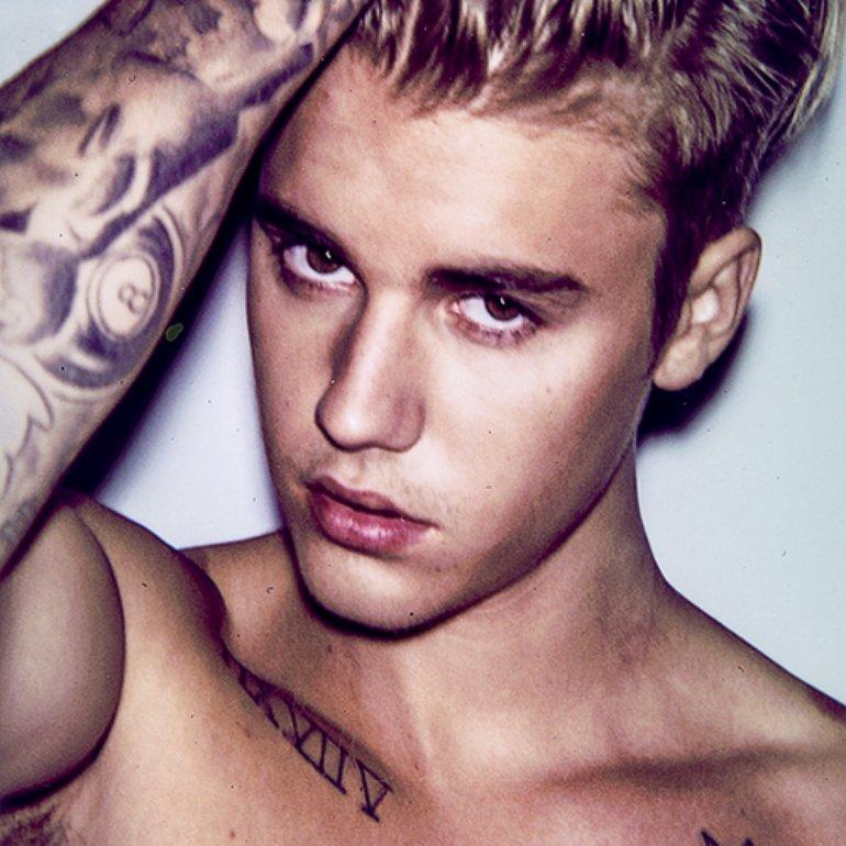 Justin Bieber posa para Calvin Klein