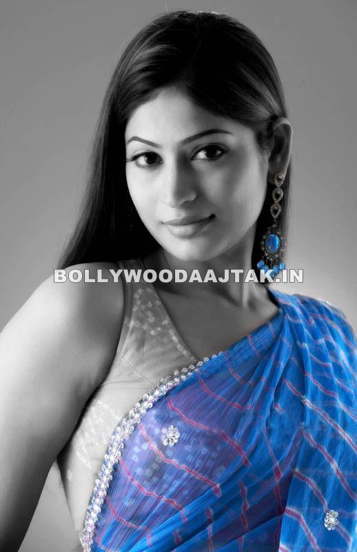 Vijayalakshmi Agathiyan In blue sari - (5) -  Vijayalakshmi Agathiyan Hot Pics