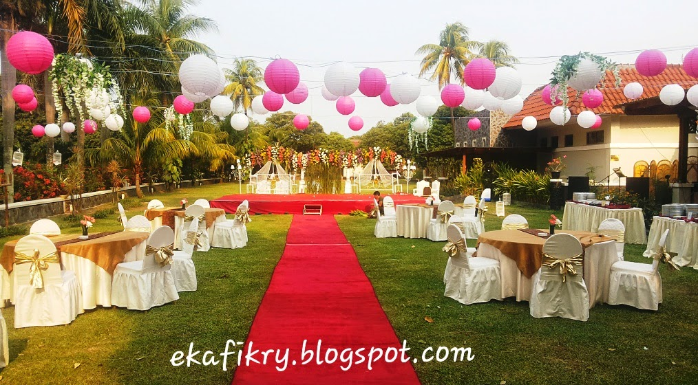 The shymphony of eka white pink garden party for Dekorasi party di hotel