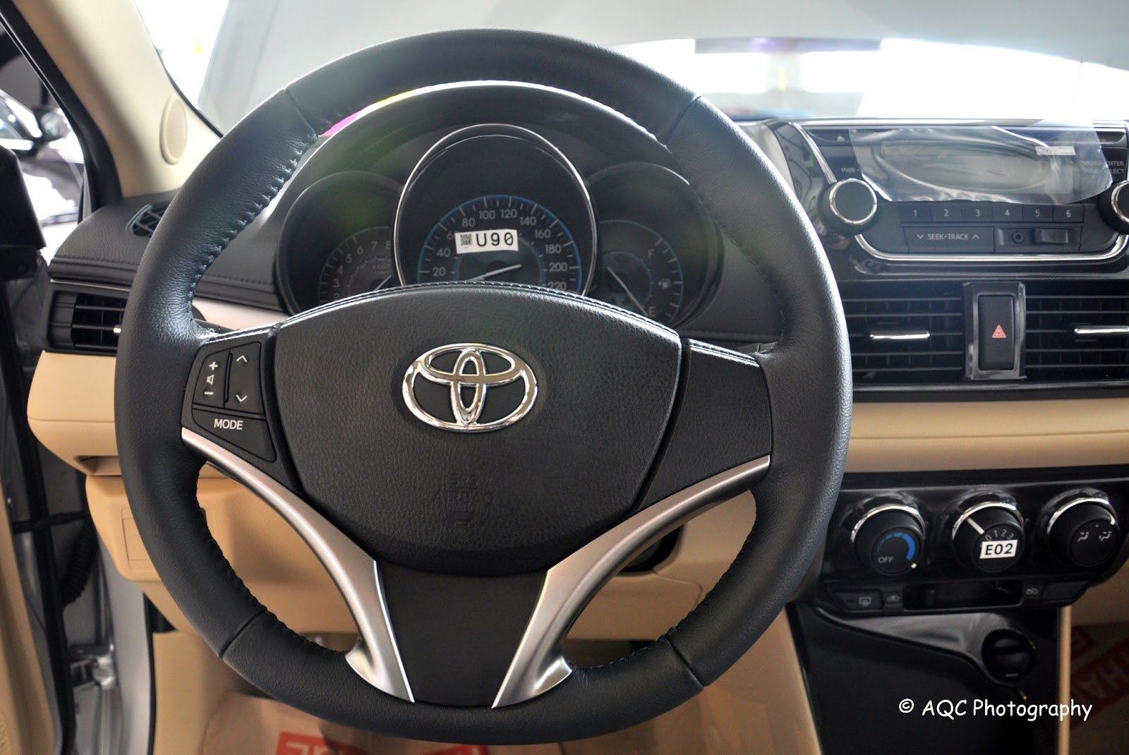 Toyota vios 2013 interior photos