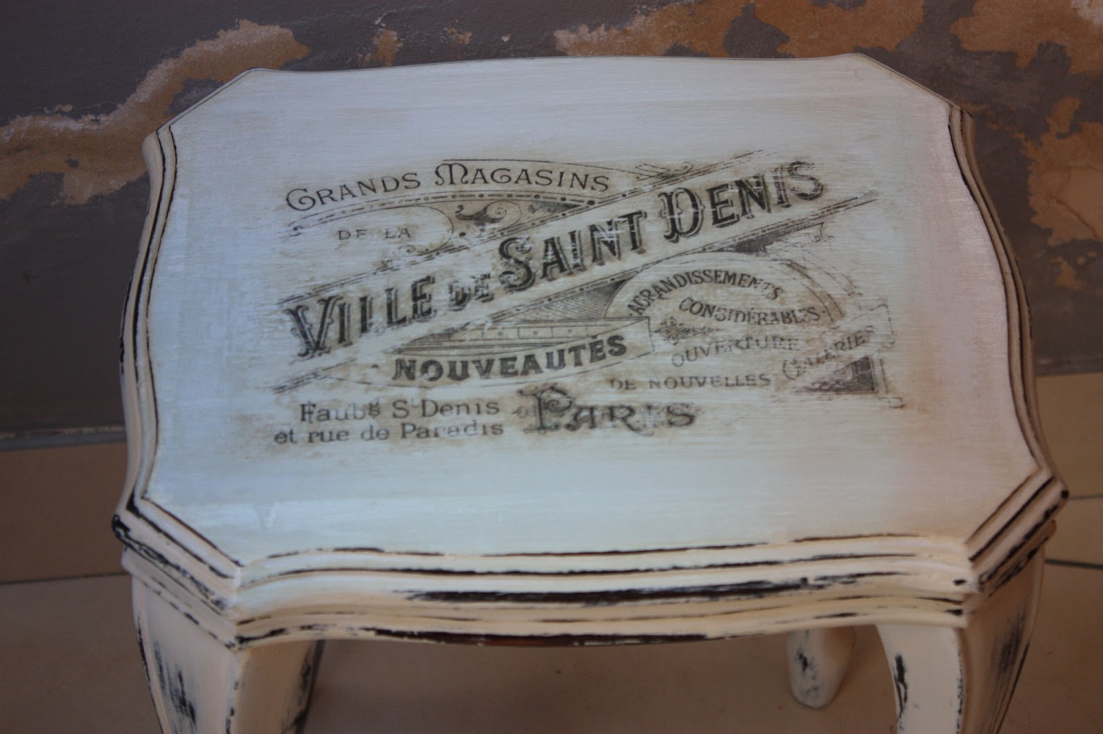 Evocative Vintage: French Provincial End Table Make Over