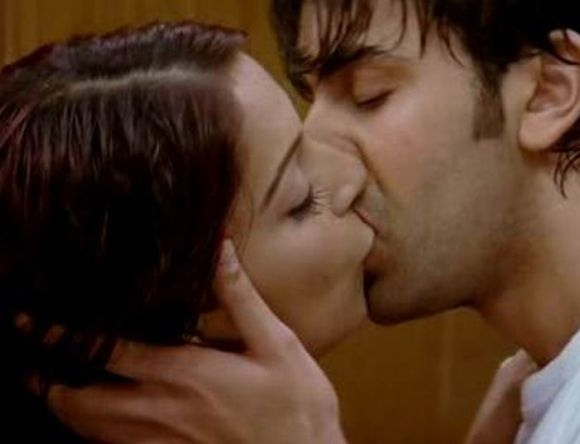 Bollywood hard lip locks  kangana ranavat  shootout at