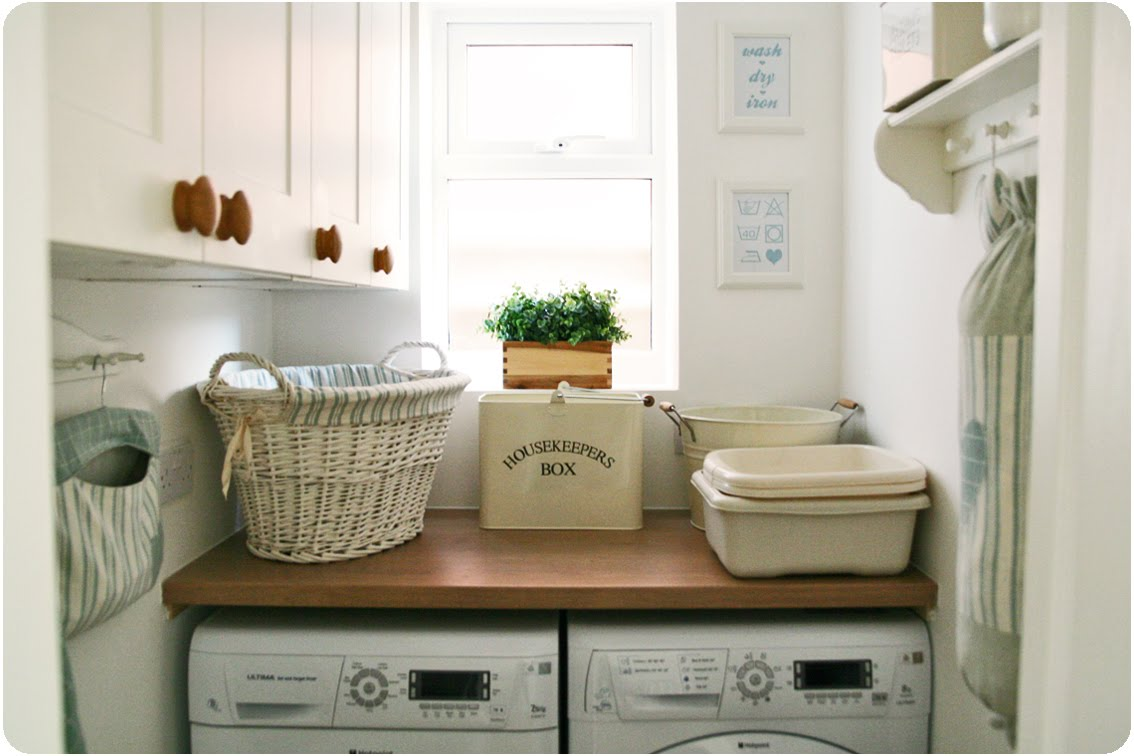 Countrykitty: my teeny tiny laundry room