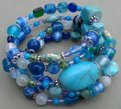 http://3.bp.blogspot.com/-T4tjS8I5Tp0/T_DINgzHSFI/AAAAAAAAANw/ZEevjd1H7FM/s1600/bracelet.jpg