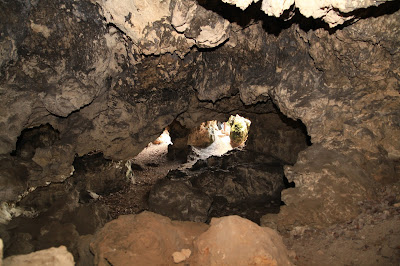 Blick aus der Einödhöhle nach draußen
