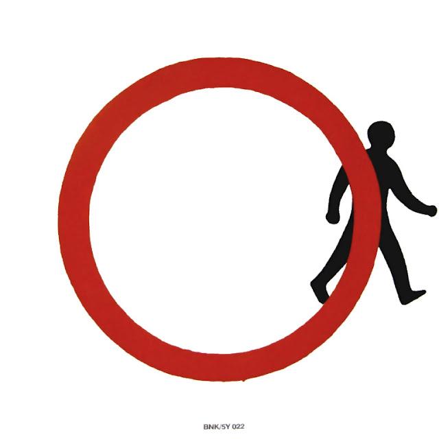 Manden fra 'Fodgængere forbudt'-skilt går væk