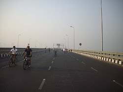 "Competitor cyclists on ""Rajiv Gandhi sealinkbandra-Worli Sealink)"""