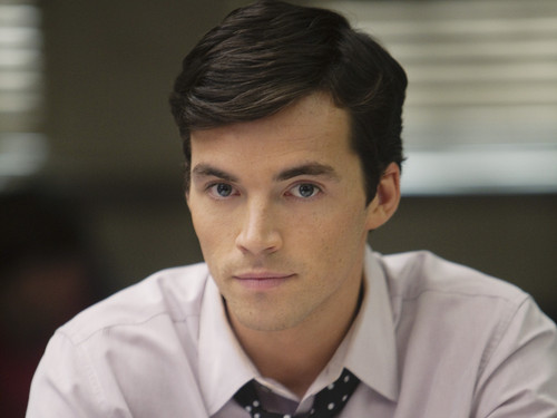 pretty little liars chile ezra fitz es a