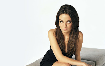 Hollywood Actress Mila Kunis HD Glamor Wallpaper