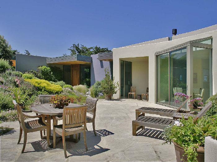 Estilo rustico patios exteriores rusticos mobiliario y - Patios exteriores ...