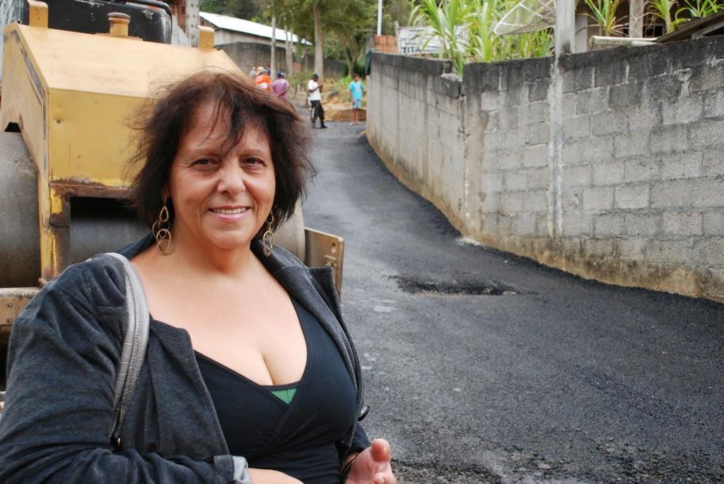 A dona de casa Josane Barreto ficou muito contente com as obras realizadas