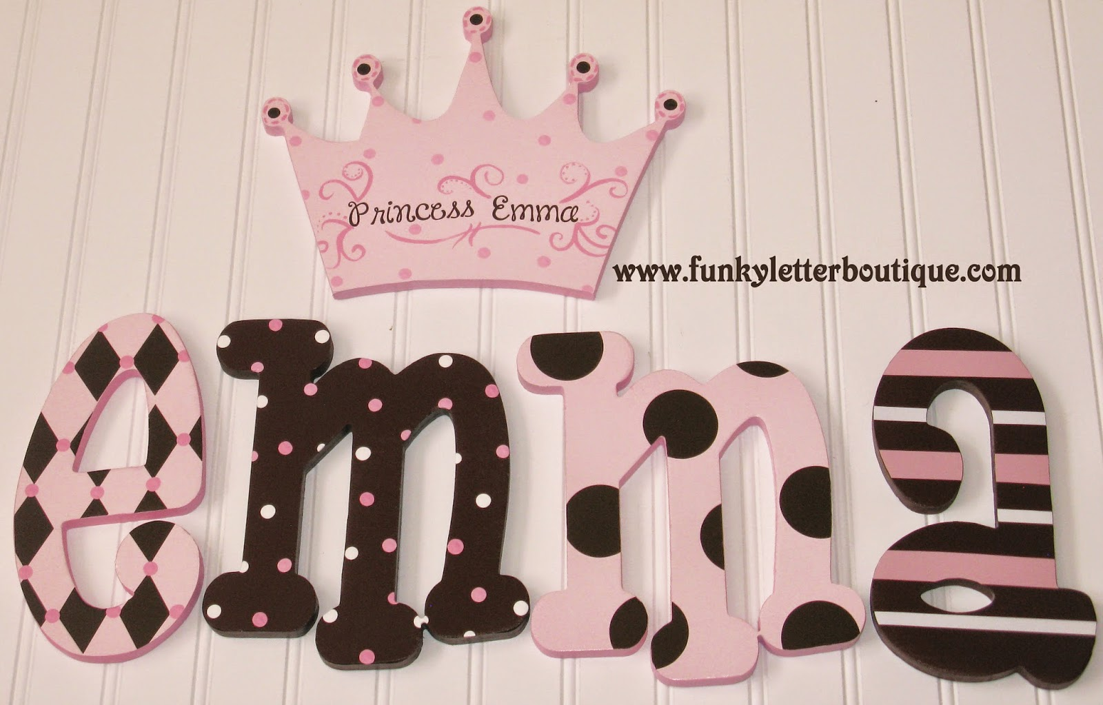 Hand painted letters for nursery thenurseries for Funky nursery ideas