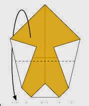 Bước 4: Gấp đôi tờ giấy ra  phía sau theo chiều từ trên xuống dưới.