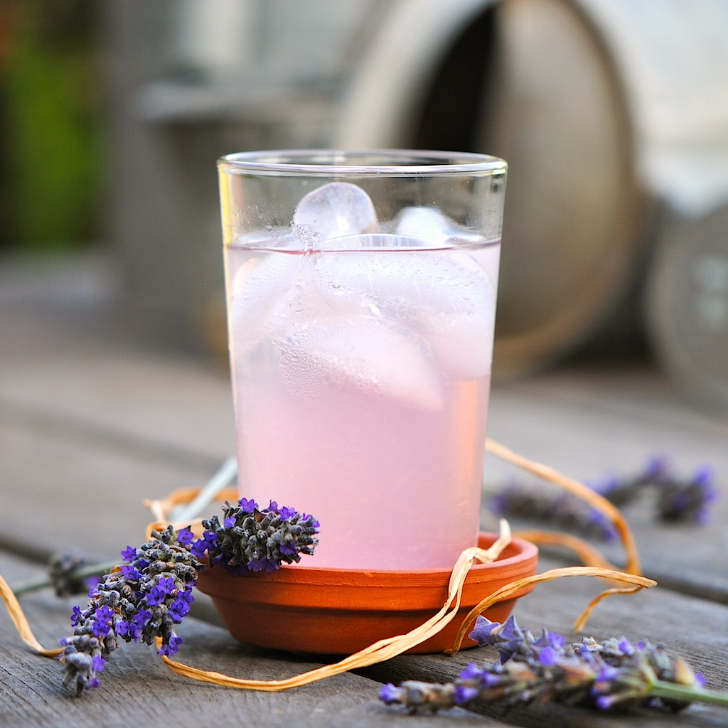 JULES FOOD...: Lavender Lemonade