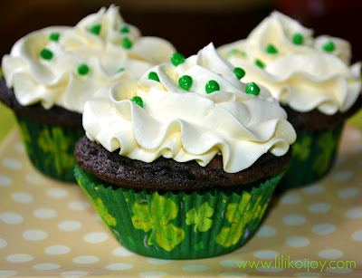 andes mint chocolate cupcakes white chocolate buttercream frosting