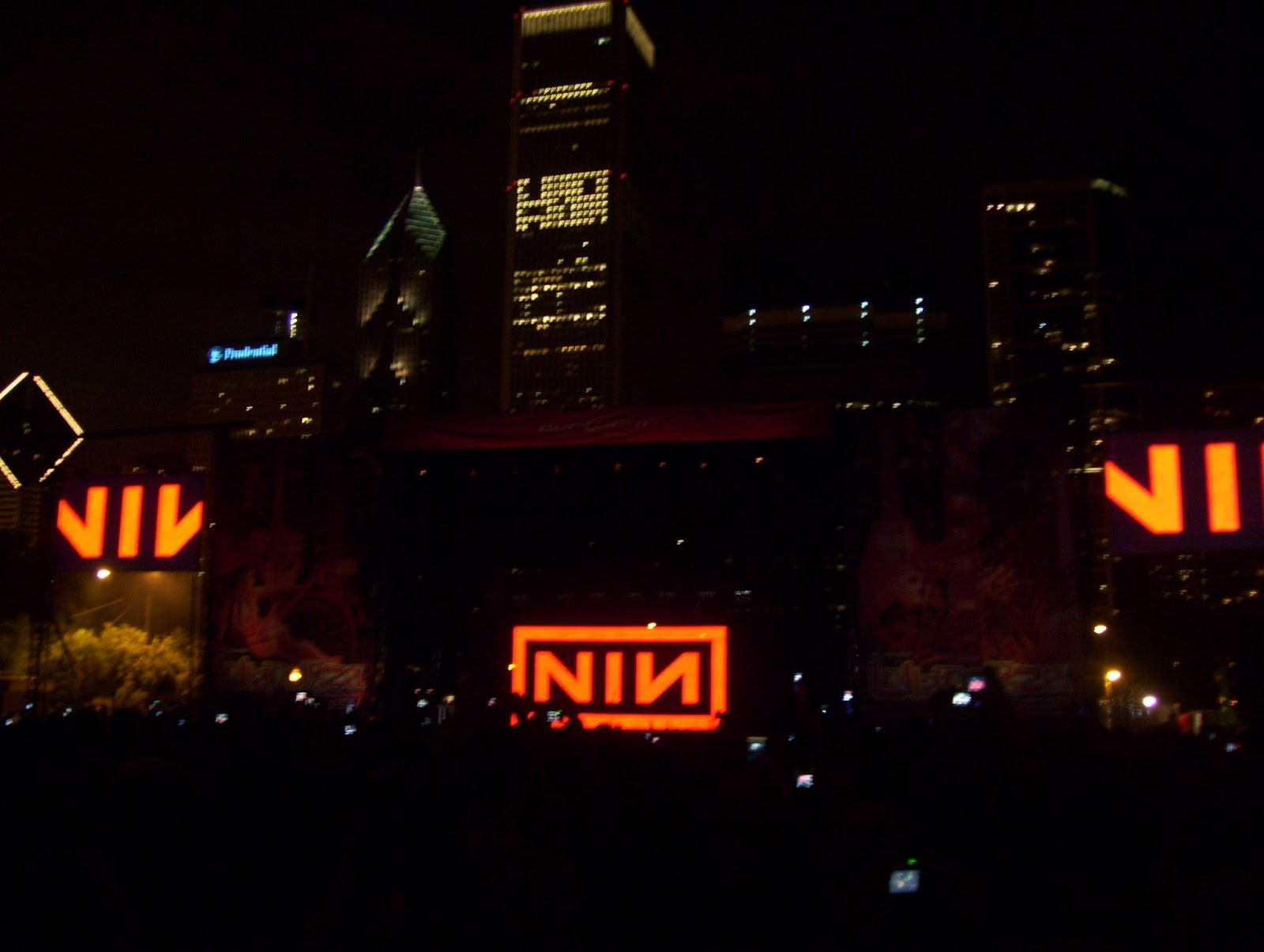 The Rev\'s Concert Blogspot: Nine Inch Nails - 2008-08-03 - Chicago ...