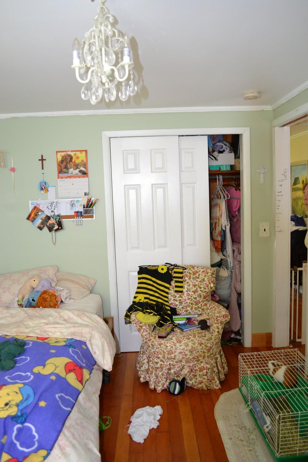frugal farmhouse design: teenage girls room