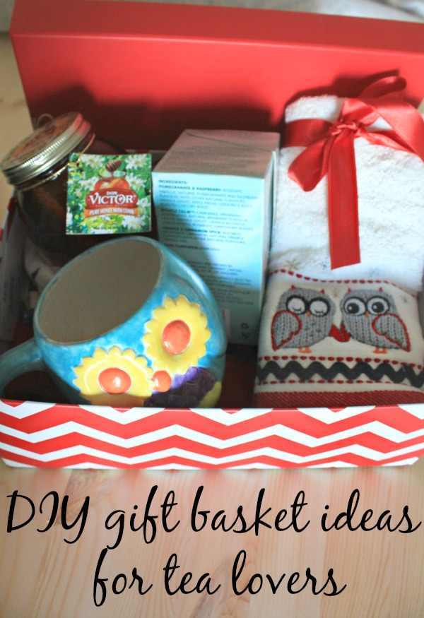 Any tea lovers on your holiday gift list? Here are some DIY gift basket ideas for tea lovers! #HoneyforHolidays #ad