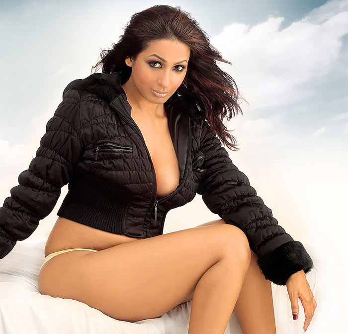 Bollywood hot girls wallpapers 2 bollywood hot girls New all hd video