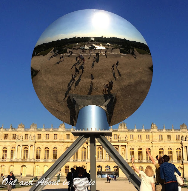 anish kapoor 39 s controversial contemporary art exhibition at versailles. Black Bedroom Furniture Sets. Home Design Ideas