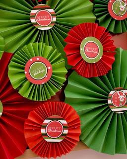 Reciclatex Cmo hacer flores de papel para el rbol de Navidad