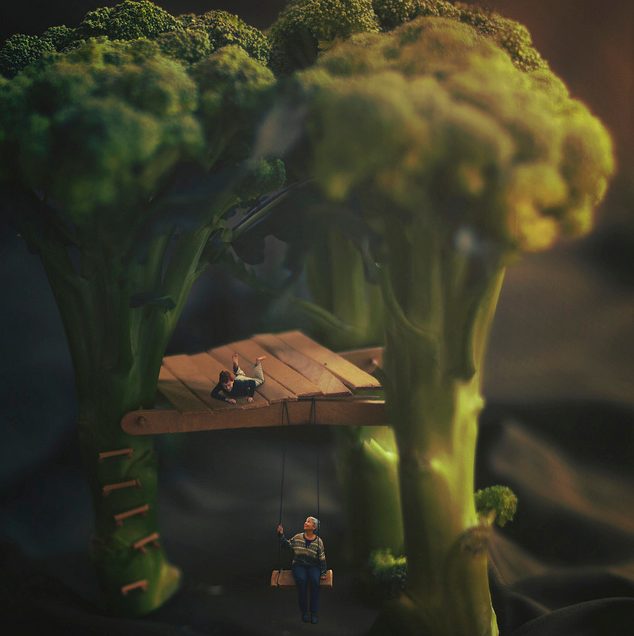 16-Visiting-Zev-Hoover-zevhoo Surreal-Miniatures-Photo-Manipulations-www-designstack-co