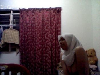 Tudung di Asrama melayu bogel.com