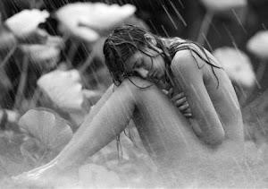 Lo hermoso y terrible del amor es que solo sucede, que es contundente.