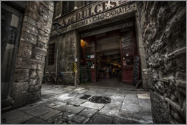 Flassaders 30, Barcelona: Restaurante La Báscula, antigua fábrica de dulces P. Mauri