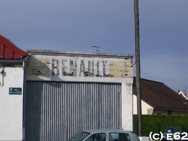 Les murs peints s 39 affichent quelques renault de plus for Garage renault creteil avenue general leclerc
