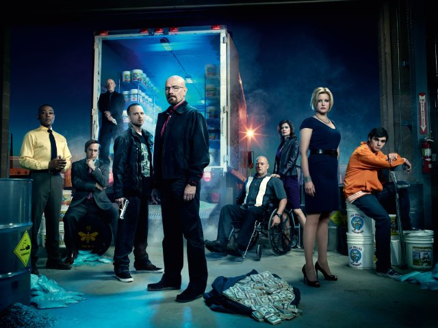 [Post Oficial] Breaking Bad (5ª Temporada) --El fin empieza hoy...-- MV5BMjgxMTMxMDQ5MF5BMl5BanBnXkFtZTcwODUwMTM2NQ%2540%2540._V1._SX640_SY479_