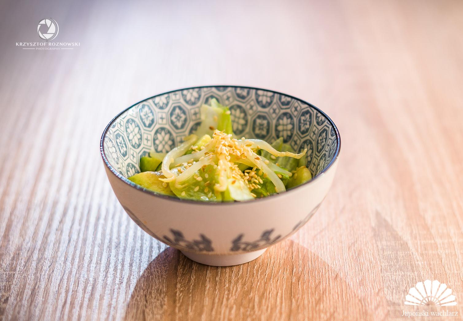 Japońska sałatka ze świeżych warzyw