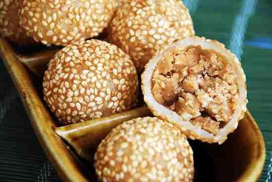 Resep Mudah Membuat Kue Tradisional Onde – Onde Kacang Merah yan Lezat dan Nikmat
