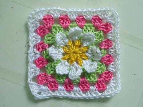 Piastrella n° con fiore all uncinetto tutorial granny square