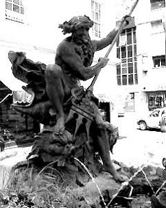 Neptuno en la Plaza Aníbal Pinto