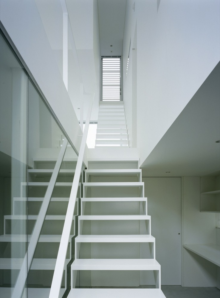 Industrial design minimalist house tokyo japan plans for Industrial minimalist design