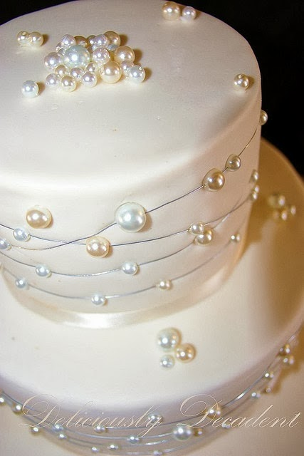 Wedding cake, pearls