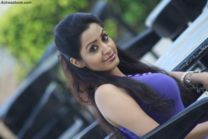 Madhavi Kaushalya Sri Lankan Hot Model and TV Presenter Latest Photo Shoot Gallery Photoshoot images