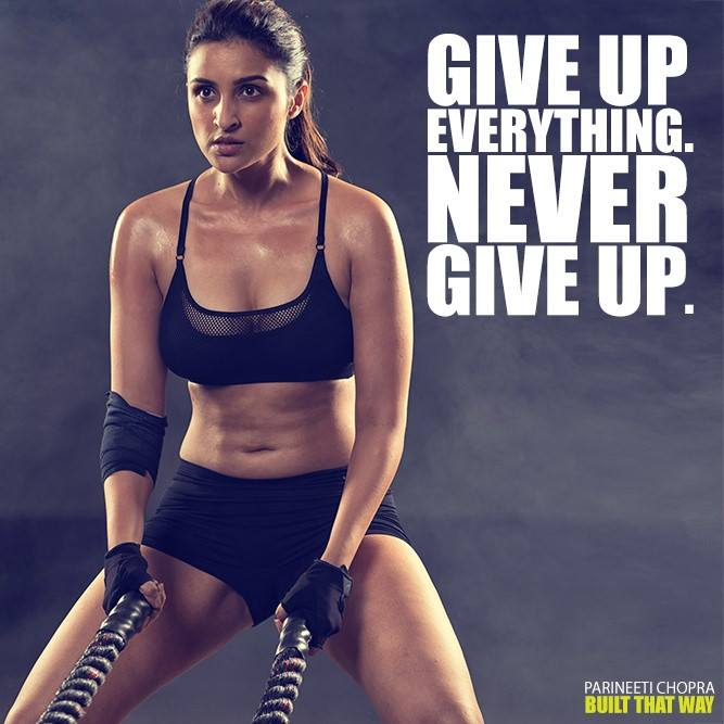 Parineeti Chopra navel photos, Parineeti Chopra thighs, Parineeti Chopra in black sport dress, Parineeti Chopra gym pics