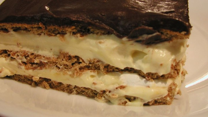 Old Fashioned Chocolate Eclair Pie