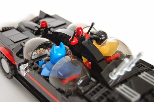 Detalle Lego Batmovil 1966