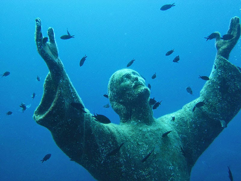 9. Christ of the Abyss, Italy - 11 Mindblowing Locations You Won't Believe Are Really on Earth