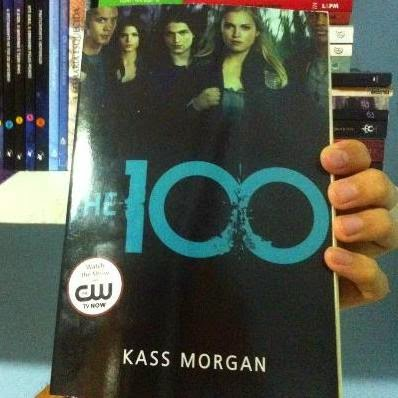 Capa do livro The 100, da autora Kass Morgan