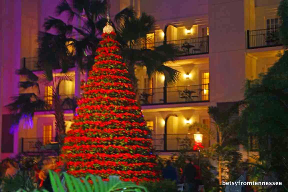 decorations inside the opryland hotel resort nashville tn