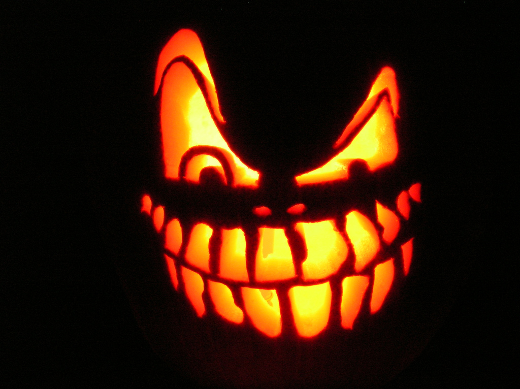 Moving Halloween Backgrounds Images amp Pictures Becuo