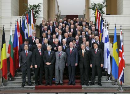 Ciencias sociales 3 cc ss tema 5 instituciones de for Clausula suelo consejo de ministros